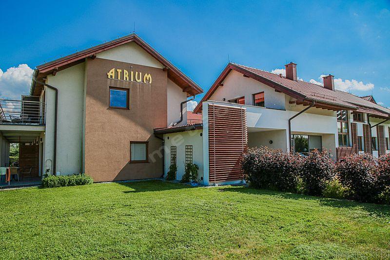 ATRIUM - Pokoje Studio i Domki Letniskowe