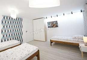 Pokój trzyosobowy. Mieszkanie dwupokojowe 58m