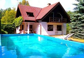 Dom z Basenem