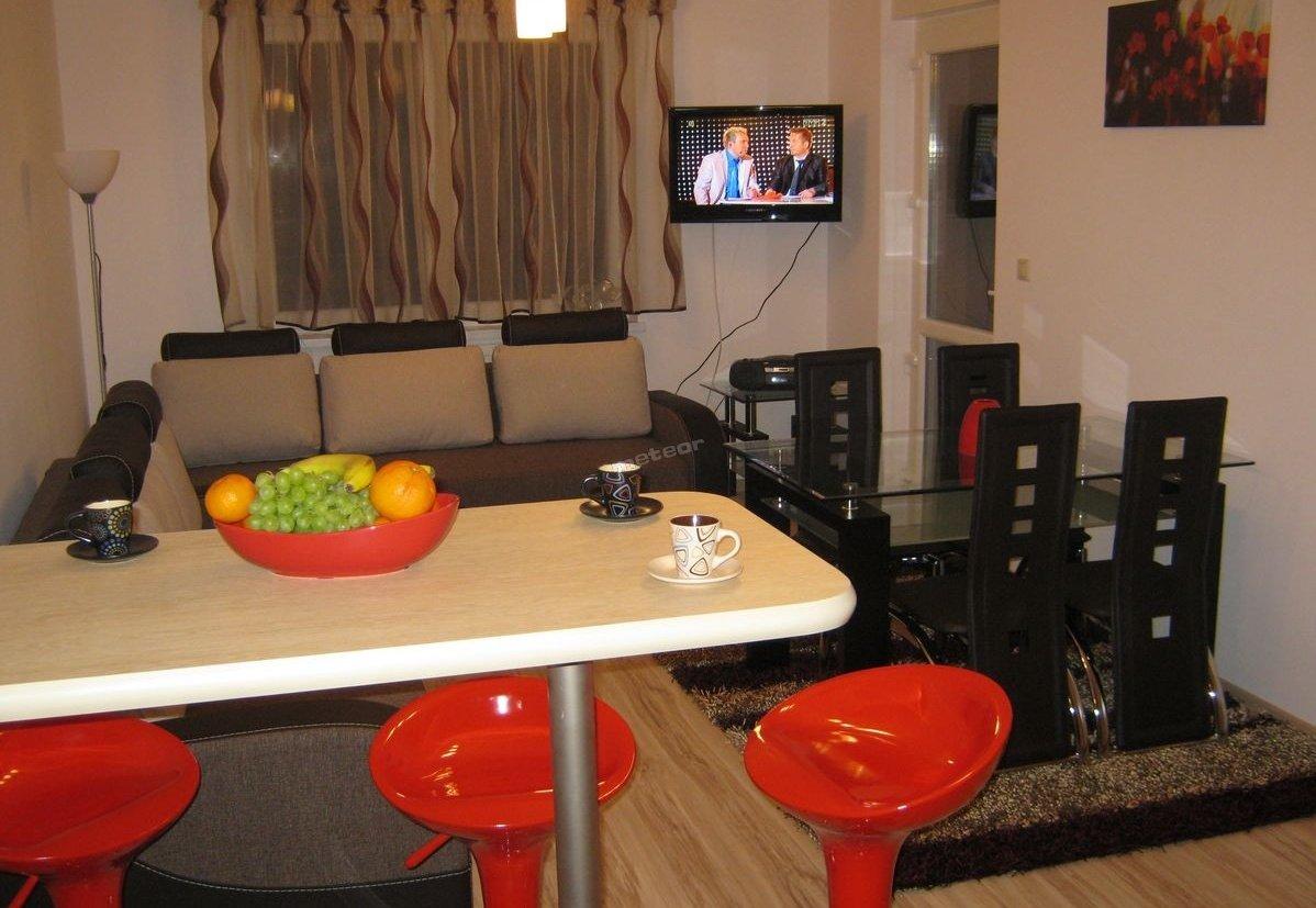 Apartament ZIELONY TARAS: salon, barek, sofa, narożnik ...