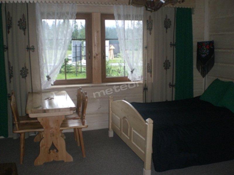 Pokój Regionalny z osobnym wejściem TV, aneksem kuchennym, łazienką, tarasem.