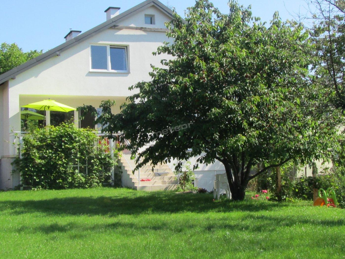 Słoneczny Dom widok na  ogród.