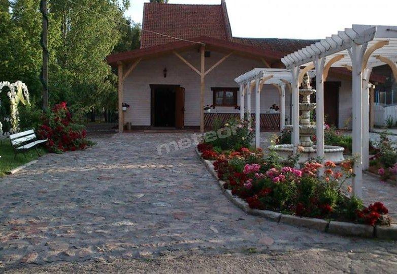 Zajazd ELJAN nad Jeziorem Trackim w Olsztynie