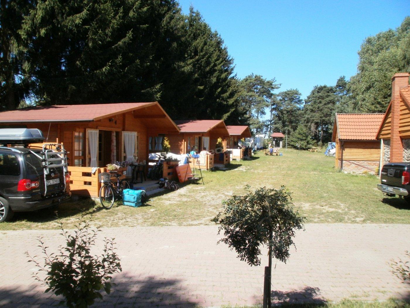 Domki drewniane nowo postawione 4 osobowe z możliwością dostawki salonik z aneksem kuchennym,sypialnia,łazienka oraz taras