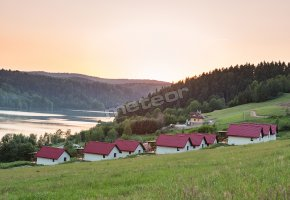 Domki Na Zielonym Wzgórzu w Zawozie