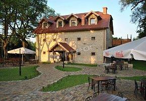 Noclegi & Restauracja Spichlerz Dworski