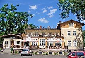 Hotel - Restauracja Dworek