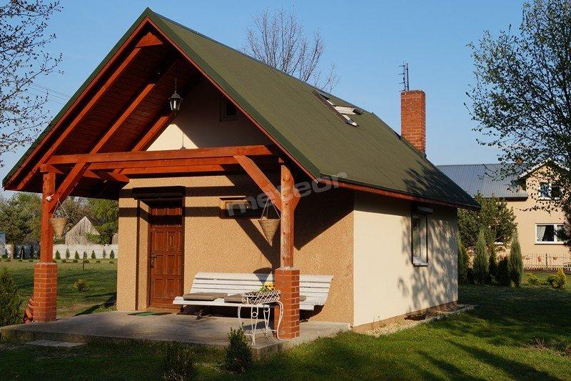 Domek 6-osobowy z pensjonatem w tle