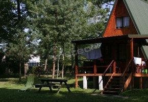Domki Nad Jeziorem Różane, Stajnia Sarnówek