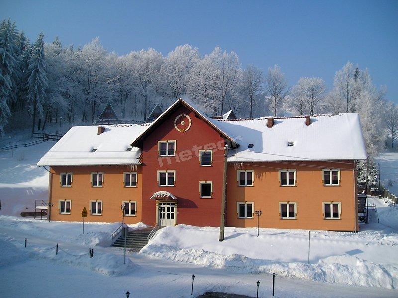 Pensjonat zimą - budynek nr 2.